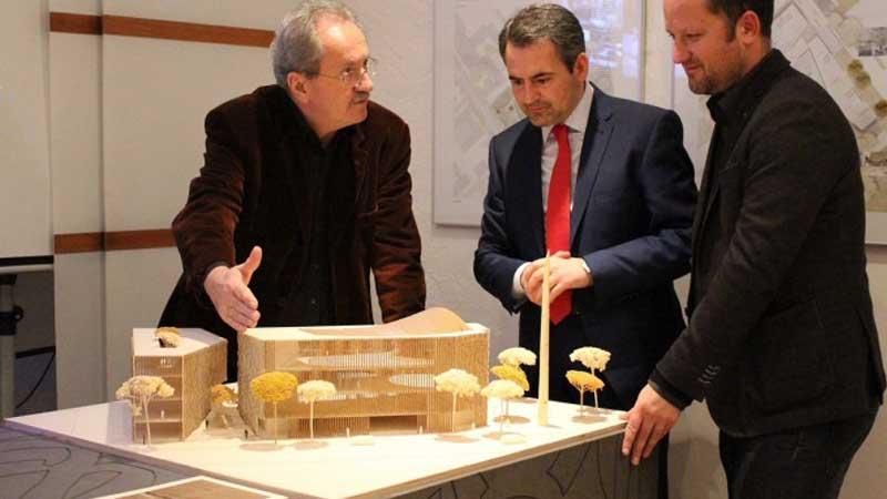 Alt-OB Christian Ude besucht das MFI