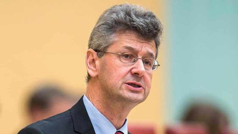 Staatsminister für Unterricht und Kultus Professor Dr. Piazolo