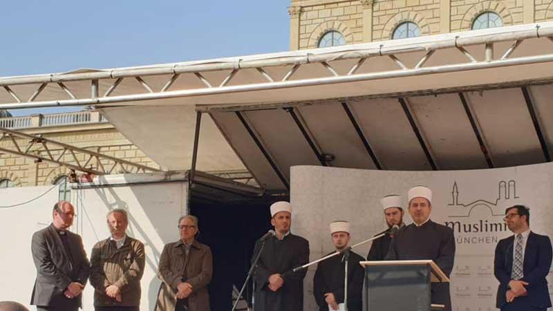 Mahnwache gegen antimuslimischen Terror