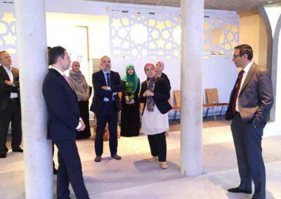 Staatssekretär Dr. Kerber besucht Moschee